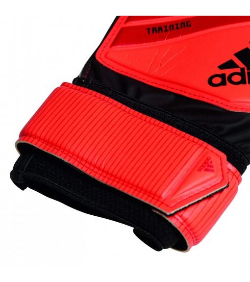 Adidas Gloves Predator Training | Goalkeeper Gloves | scorer.es